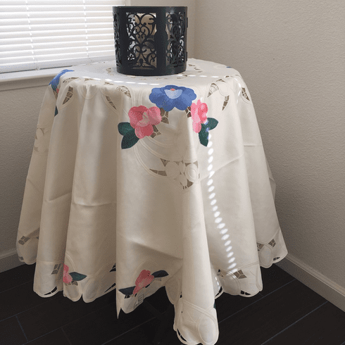Batten lace with embroidery table clothes / covers   90 in Round
