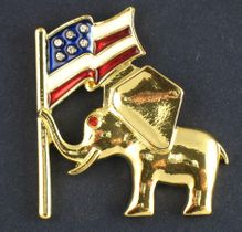 Proud American Elephant with Flag - Gold