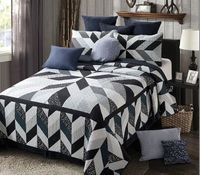 Midnight Moon Black & White KingQuilt Ensemble