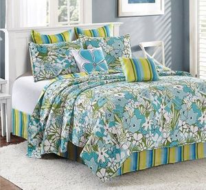 Parisian Poppies King Quilt Enesmble