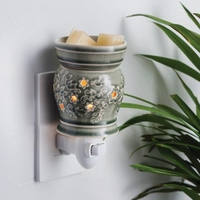 Pluggable Fragrance Warmer Perennial