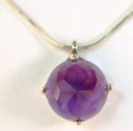 amethyst pendant / silver necklace
