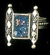 Artistic roman glass filigree ring