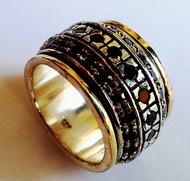Garnets spinner ring silver gold