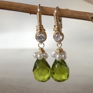 Gemstones Swarovsli green dangle earrings