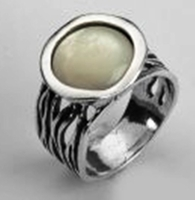 Israeli jewelry Mother of Pearl sterling silver ring