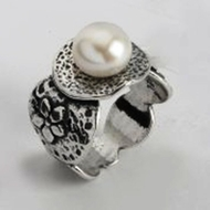 Israeli jewelry silver pearl ring
