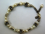 Pearls silver floral bracelet - handcrafted in Israel