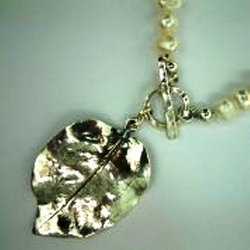 Pearls silver leaf necklace