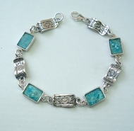 Roman glass bracelet floral design