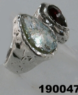 Roman glass jewellery ring silver garnet