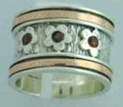 Rose gold garnets ring Spinner Ring Flowers Granates