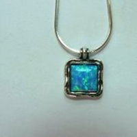 Silver Necklace set with opal
