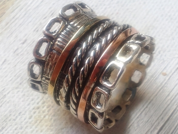 Israeli Spinner ring silver and gold celtic design