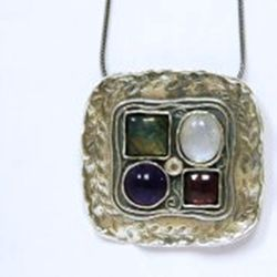 Sterling silver necklace set with Labradorite