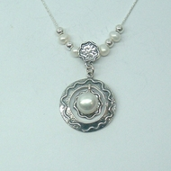 Splendid Designer Gift 925 Silver and Freshwater Pearls Necklace
