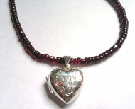 Sterling silver heart pendant garnets necklace