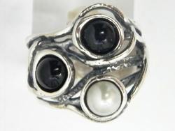 Sterling silver pearls onyx ring
