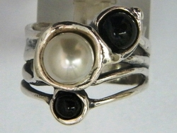 Sterling silver ring with pearls and onyx