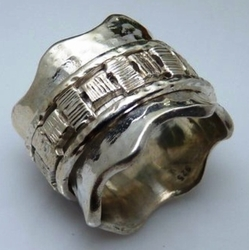 Sterling silver swivel ring