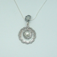 Stunning Designer Gift 925 Silver Pendant with Freshwater Pearls
