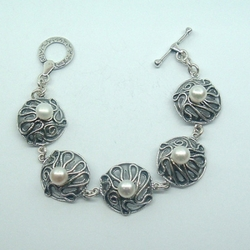 Unique Designer Sterling Silver Gift Bracelet with 5 Freshwater Pearls
