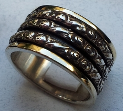 Worry ring spinner rin g silver and gold