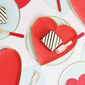 Heart Shaped Paper Plates Red Gold Trim 7in 8pcs
