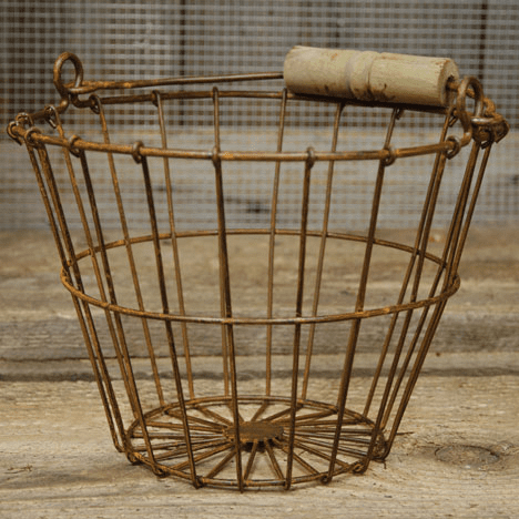 Wire Egg Basket - Rusty