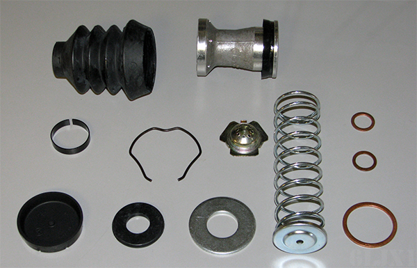 Master Cylinder Rebuild Kit For M39 and M809 Series, 5702178