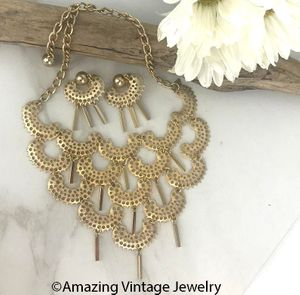 CHARISMA Gold Necklace & Earrings Set