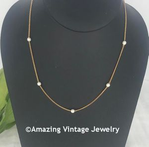 CLASSIC CHOICE Necklace