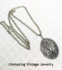 COUNTRY ROADS Locket Necklace