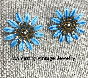 FASHION PETALS Earrings - Blue