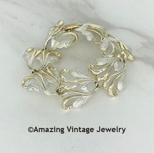 FROSTED FEATHERS Bracelet