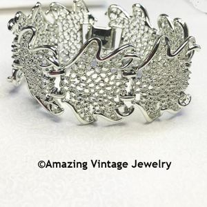 FROSTED LEAVES Bracelet