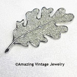 FROSTED LEAVES Pin