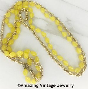 HOLIDAY BEADS Necklace - Yellow & Gold