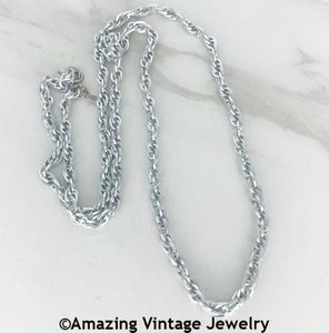 HOLIDAY CHAIN - Silvertone