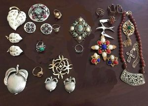 Lot of 22 pieces of Sarah Coventry