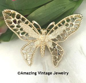 MADAME BUTTERFLY Pin - Goldtone