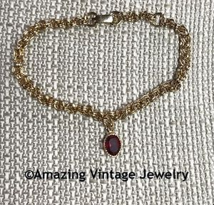 MISS SARAH Birthstone Bracelet - January Garnet