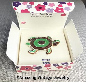 MYRTLE Turtle Pin - Sarah Teen