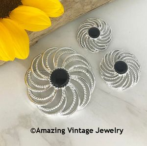 MYSTIC SWIRL Pin & Earrings Set