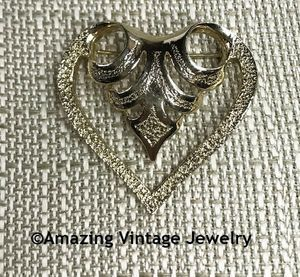 Open Goldtone Heart Pin - Canada