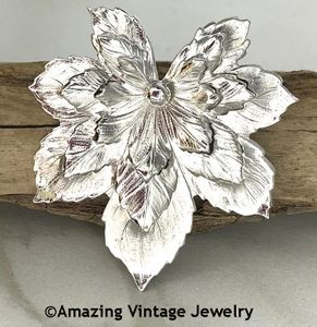 SILVERY MAPLE Pin