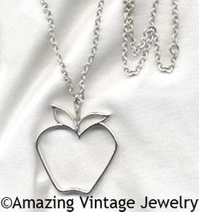 THE BIG APPLE Necklace - Silver
