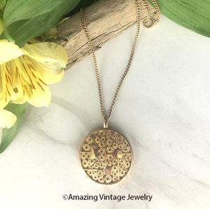 TIMELESS BEAUTY Necklace