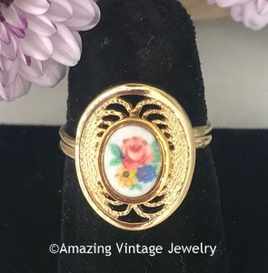 VICTORIAN BOUQUET Ring