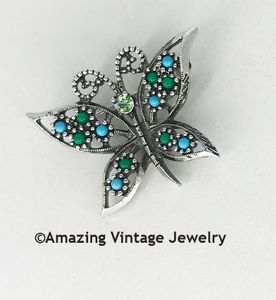 WINGS OF FASHION Pin - Canada